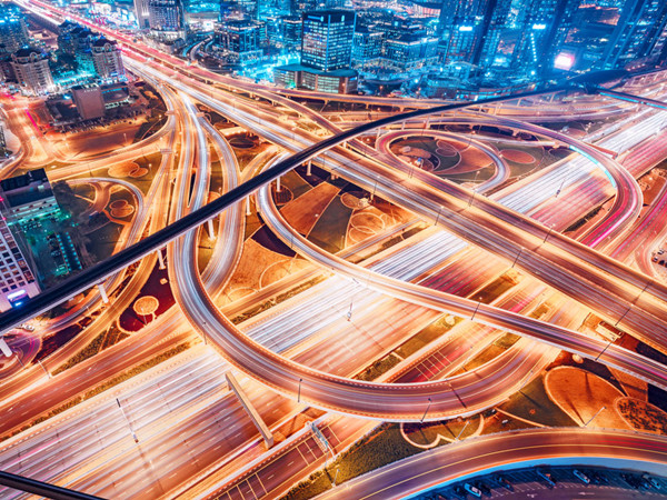 cio_middle_east_uae_united_arab_emirates_dubai_cityscape_traffic_flow_at_night_networks_of_light_by_britus_gettyimages-1026384034_2400x1600-100800420-large.jpg